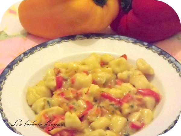 gnocchetti in salsa di peperoni