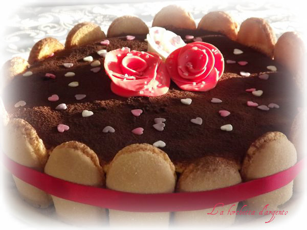 torta tiramisù per anniversario