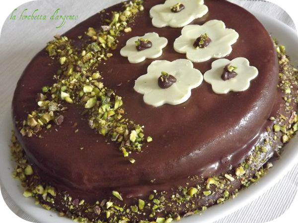 torta con crema di pistacchio