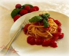 Spaghetto quadrato con pomodorini e basilico…