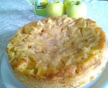 Torta rovesciata di mele al profumo di limoncello..