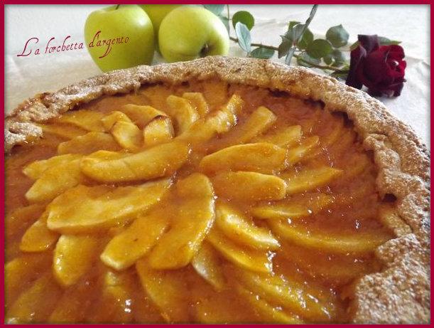 crostata di mele e marmellata di albicocche